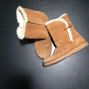 Women's SO brand boots size 7 med. SD1